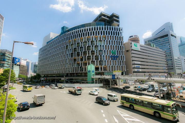新阪神梅田本店ビルと旧ビル